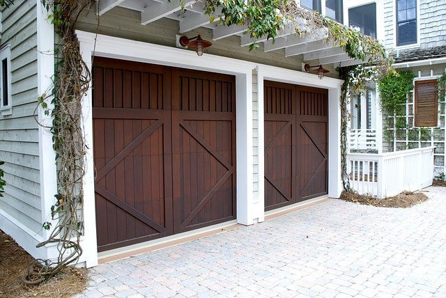 5 Good Reasons Why You Shouldn't Neglect Garage Door Maintenance