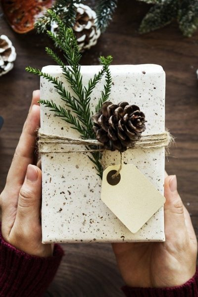 Holiday Gift Giving Tips for Your Parents Who Have Everything