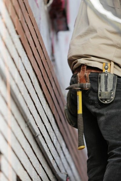 4 Essential Tips to Select a Reliable Contractor