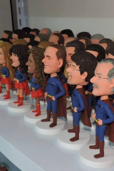 4 Reasons Why You Should Pick Custom Bobblehead Dolls as Gifts