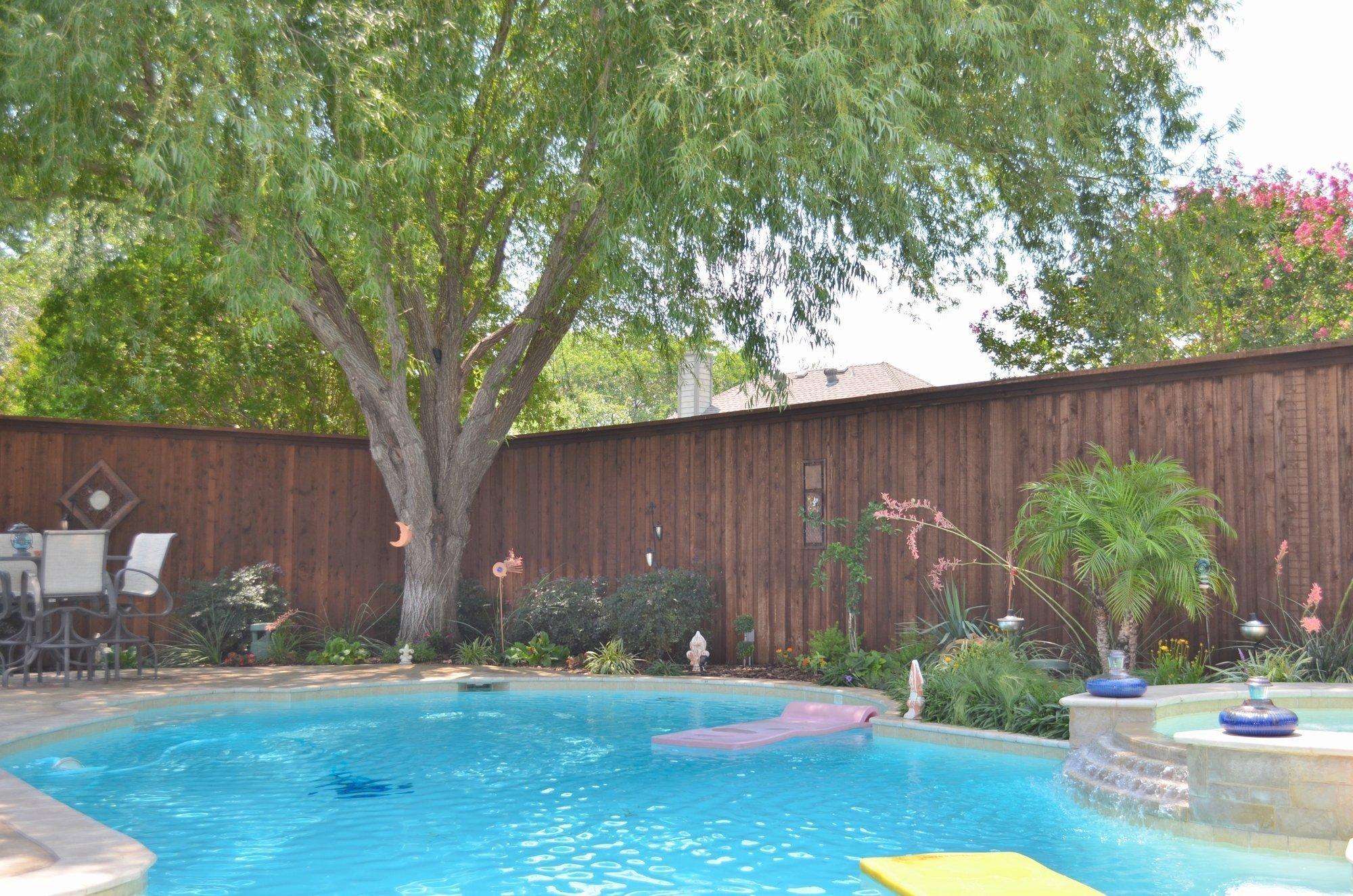 7 Kid-Friendly Pool Fence Design