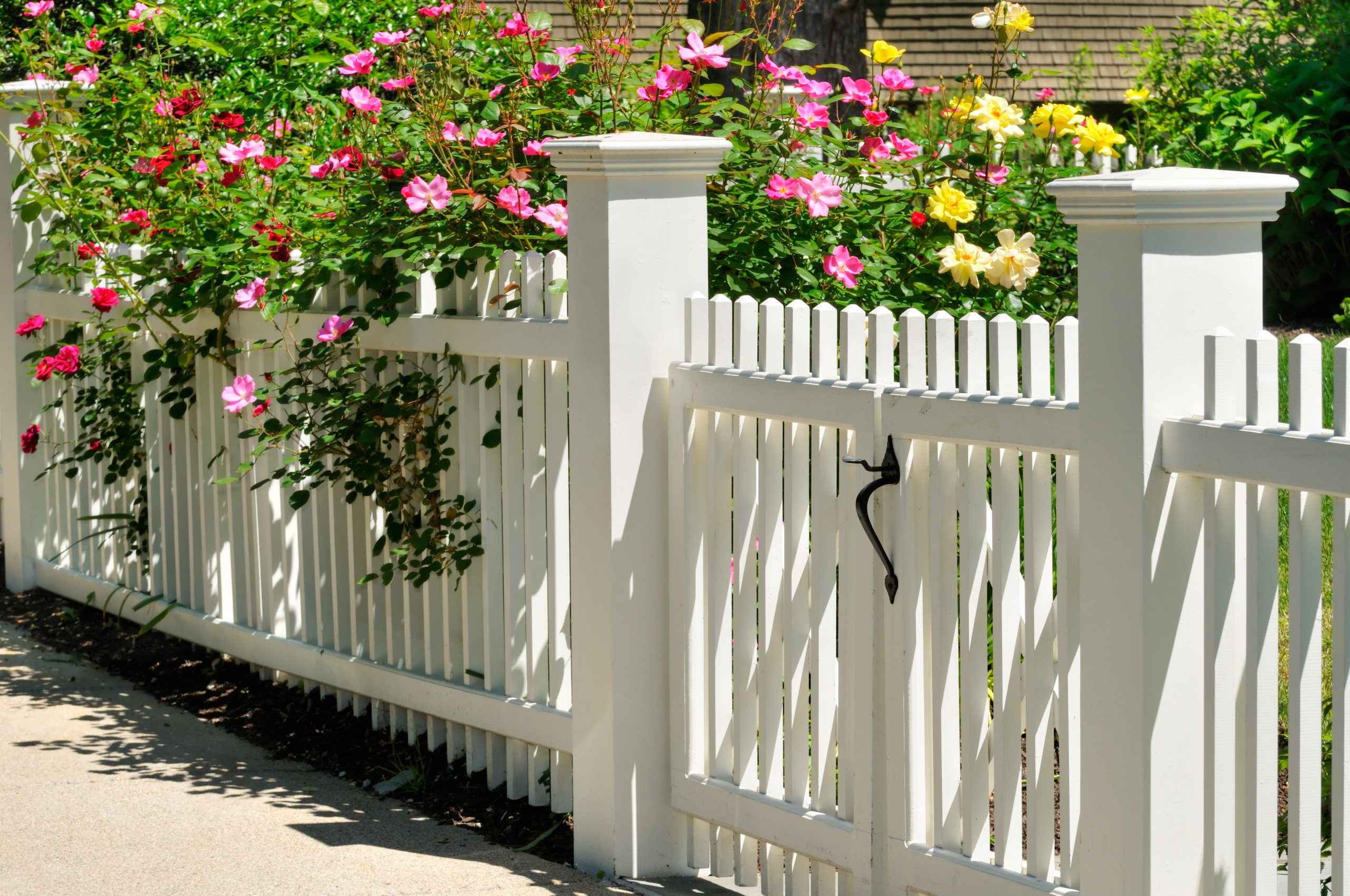 How To Build A Fence Around Your Front Yard