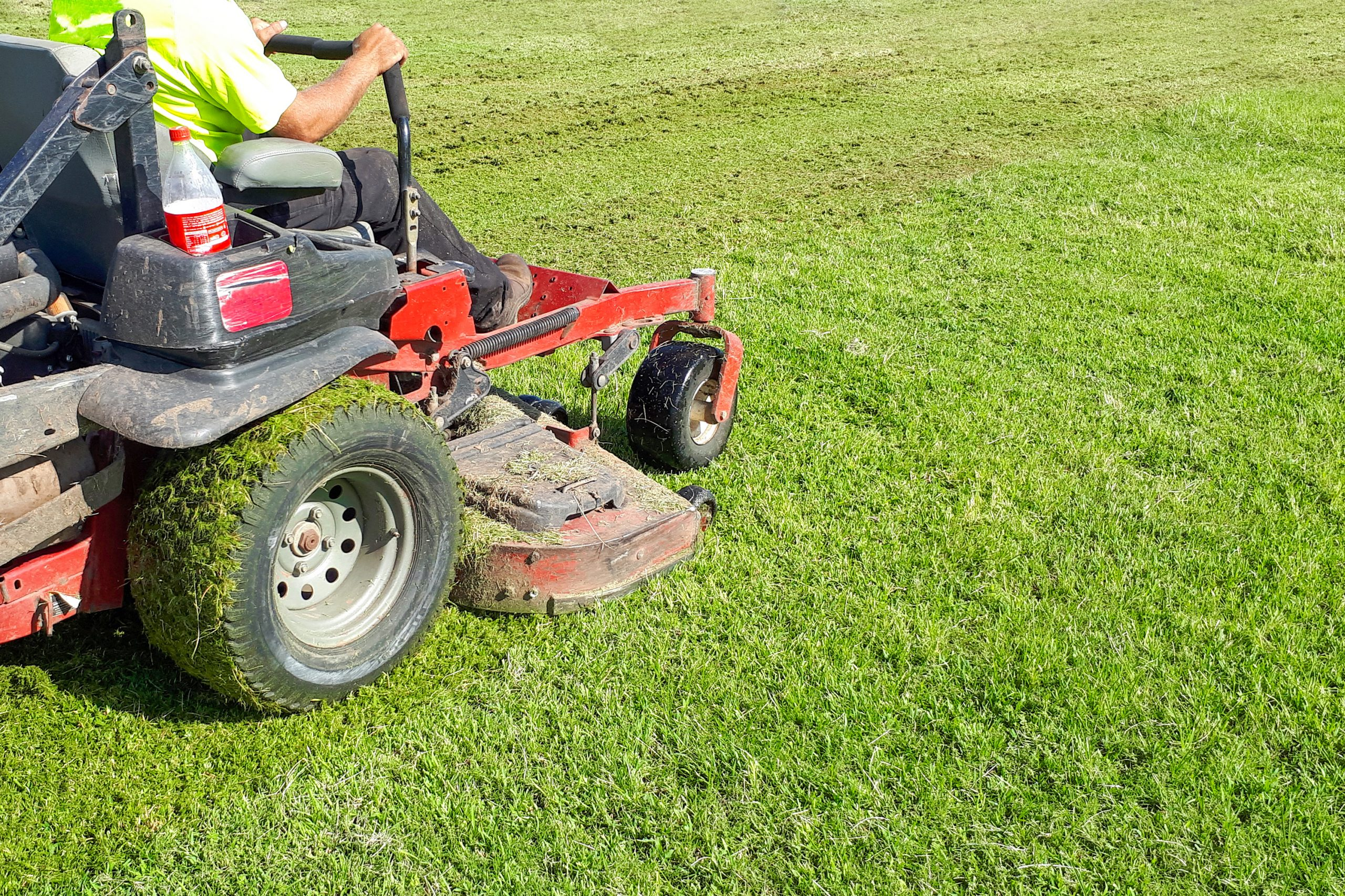 What To Look For When Buying A Zero Turn Mower For Senior Citizens