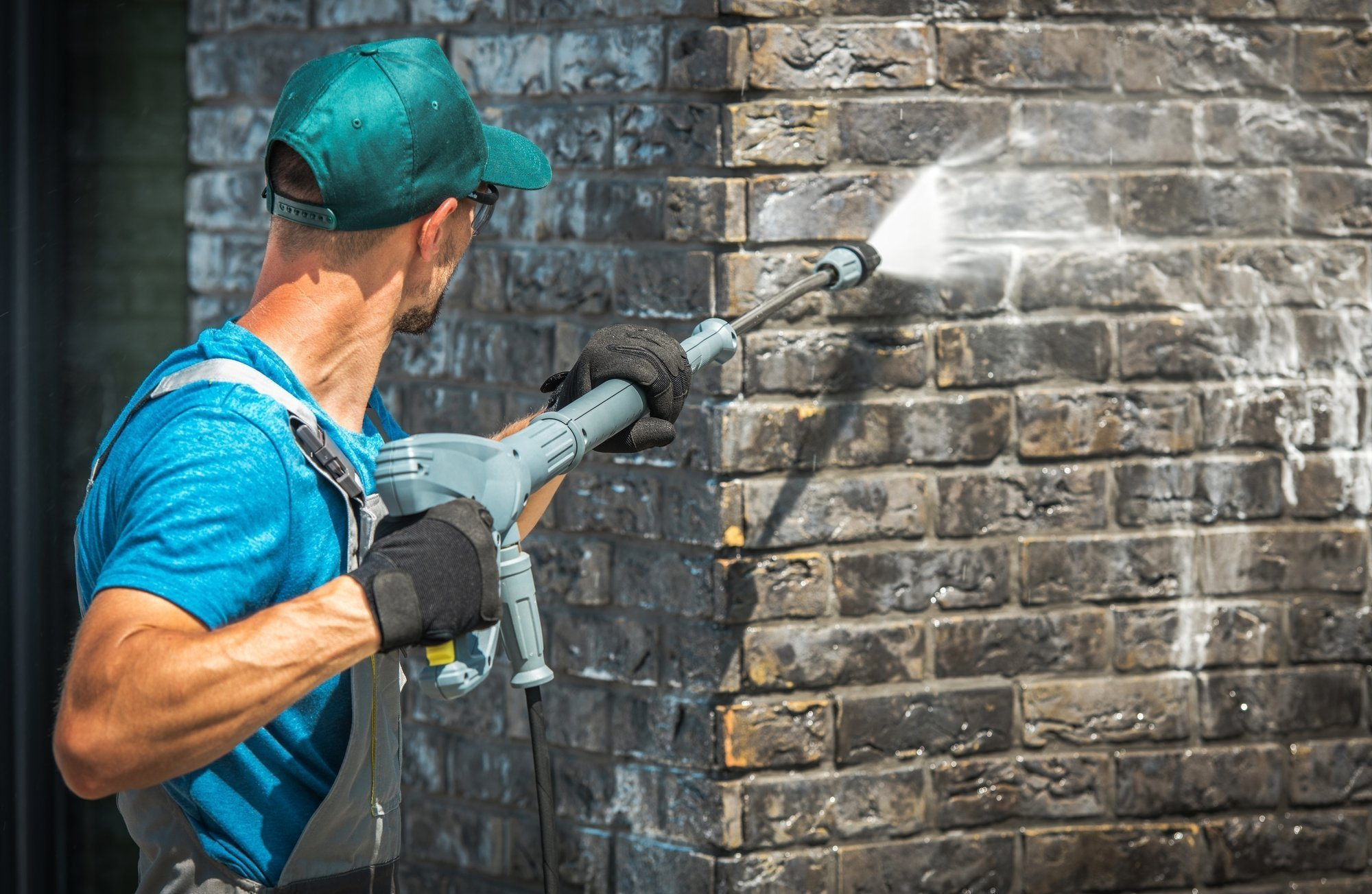 What is the Importance of Pressure Washing Your Home's Exterior