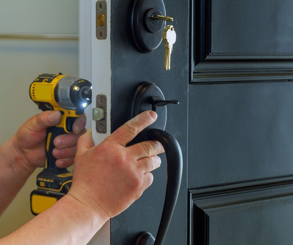 Why Hire the Residential Locksmith Services for your Home? - Prim Mart
