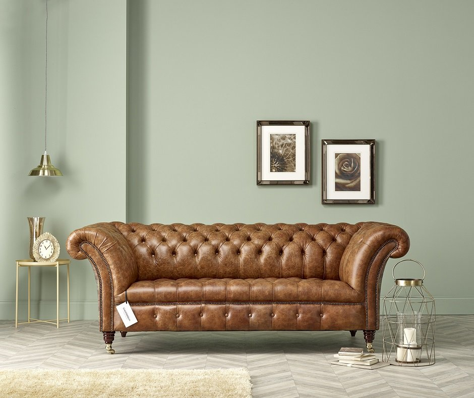 3 Reasons to love Antique Chesterfield Sofas