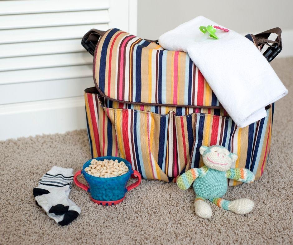 5 Advantages of a Diaper Bag