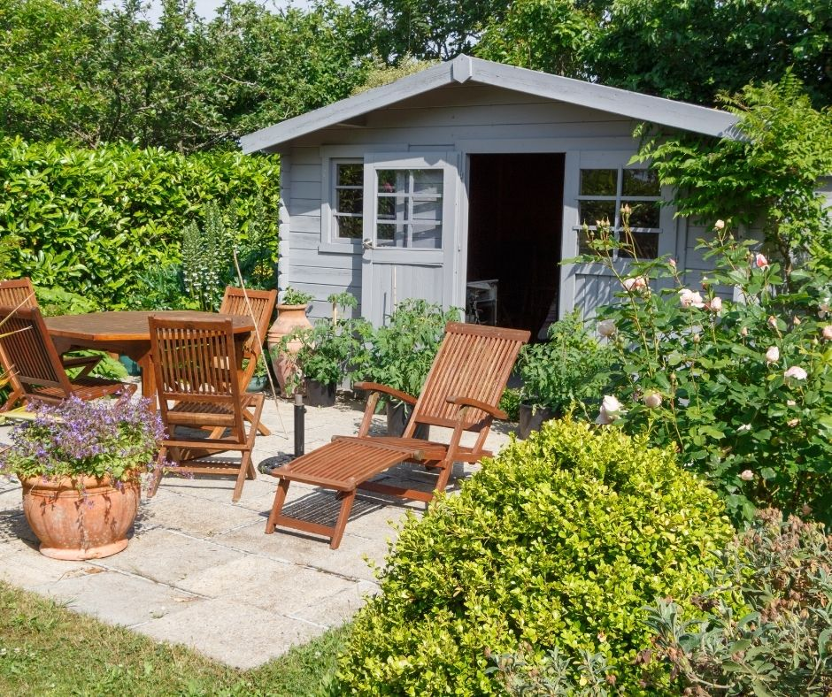 Do You Need Planning Permission for a Garden Log Cabin or Summerhouse