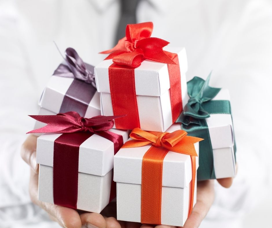 Gifting Guide - 5 Tips For Giving Gifts In A Professional Setting