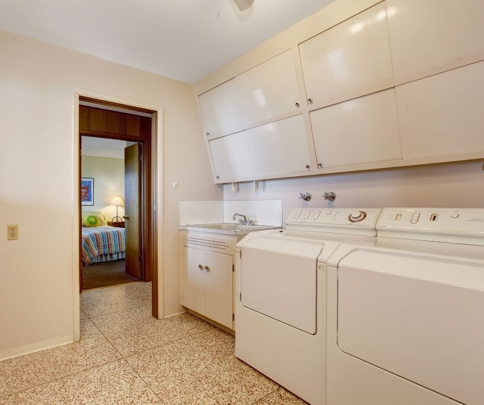 How to Buy the Best Laundry Cabinets for Your Home