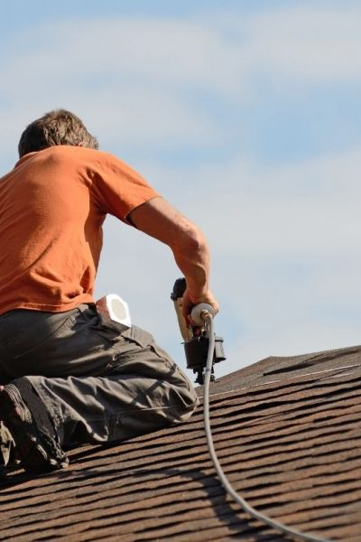 Quick Guide on Choosing the Best Roof Nailer