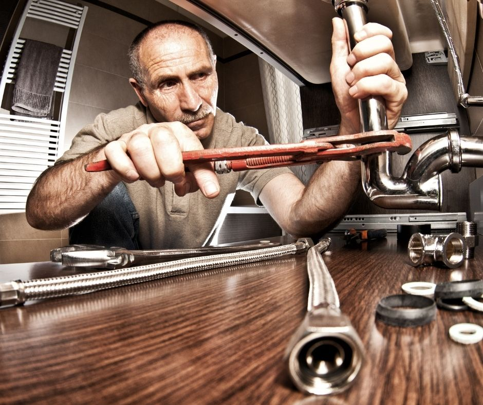 Top 3 Qualities to Look For Before Hiring a Plumber
