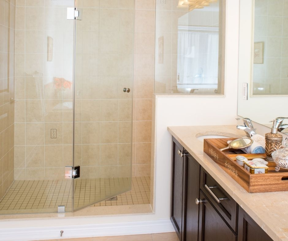 Why Frameless Shower Screens Are a Favorite with Designers