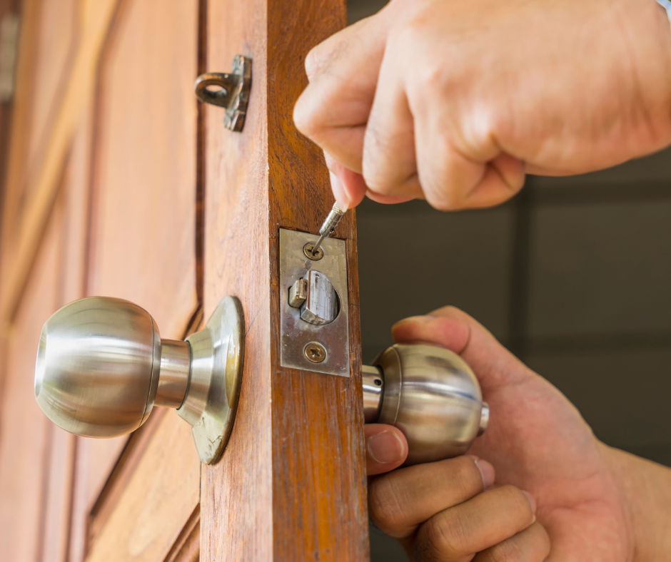Four Reasons to Hire a Residential Locksmith in Surrey