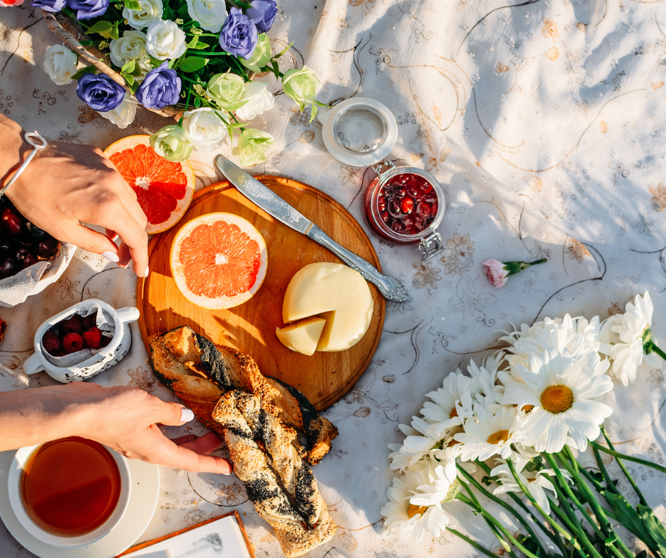 Perfect Picnic - 5 Tips For Creating A Romantic Picnic Out In Nature