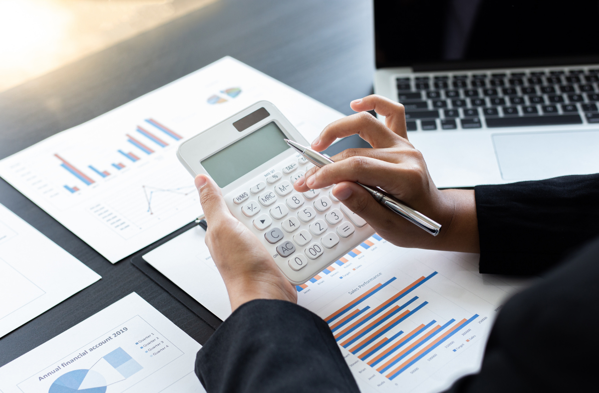 5 Top Reasons to Opt for an Accounting Degree