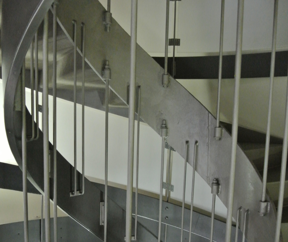 3 Basic Designs for Stainless Steel Staircases