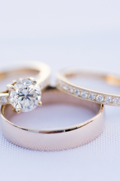 How to Choose a Wedding Band to Blend With Your Lifestyle