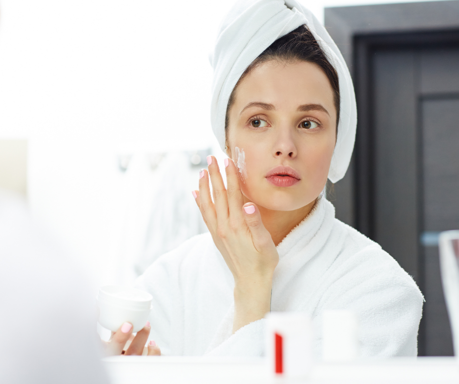 Moisturizing 101: How to Choose the Right Ingredients for Your Skin Type 